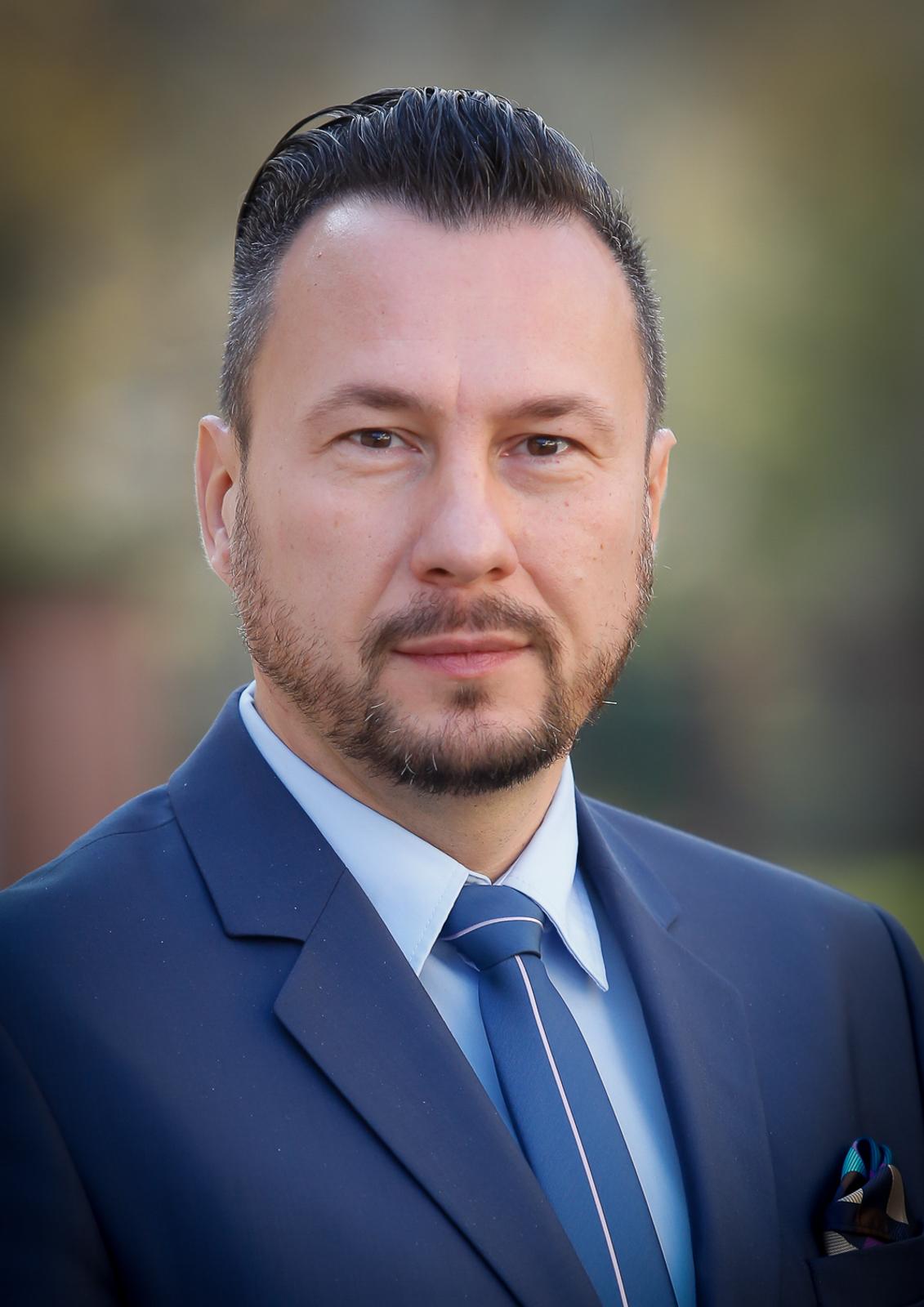 Dr. Szabó Ervin