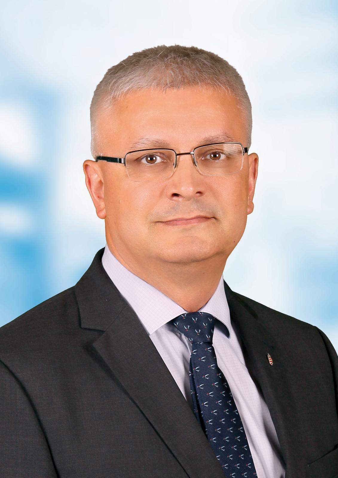 Szebellédi Zoltán